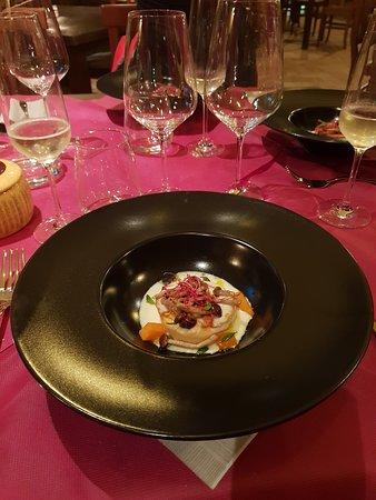Carisio, Italia: Flan di zucca con fonduta di Gorgonzola e pioppini croccanti