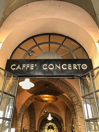 Caffé Concerto: L'ingresso del locale