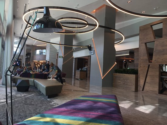 The Maslow Hotel Time Square: Foyer area