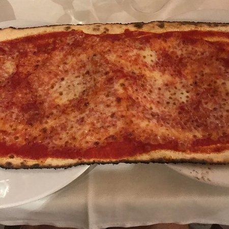 Pizza con porcini e salsiccia ottima picture of lo specchio di diana nemi tripadvisor - Lo specchio di diana nemi ...