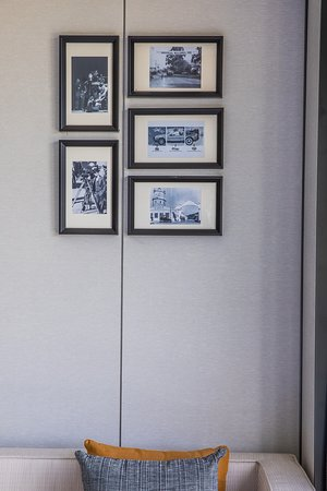 Sheraton Universal Hotel: Newly renovated room detail