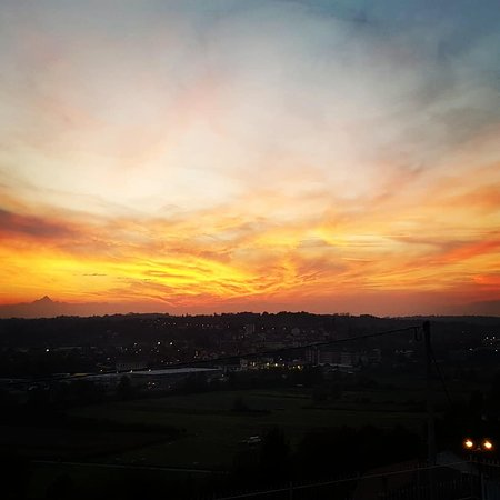 Villafranca d'Asti, อิตาลี: IMG_20181019_190512_248_large.jpg