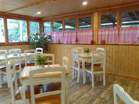 De Gusto Café Restaurant: Comedor De Gusto