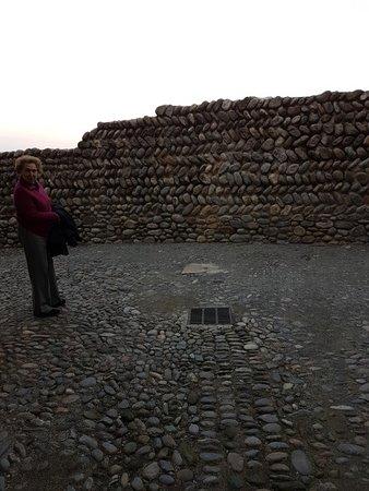 Piazzetta dietro le mura