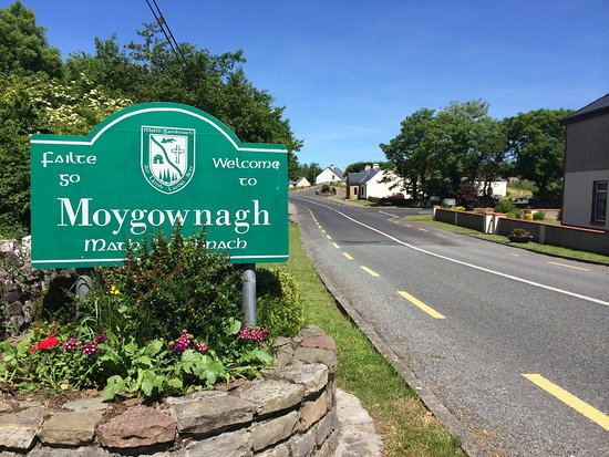 Moygownagh Village welcome sign