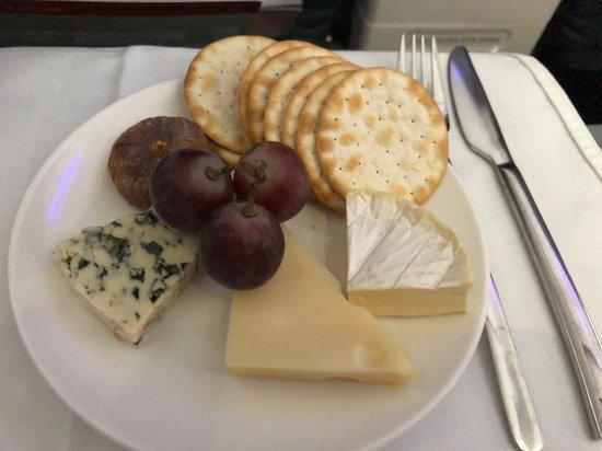 Virgin Australia: Cheese and Crackers