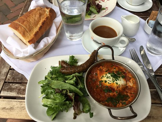 Fontaine Caffe & Creperie: The shakshuka is divine - bread necessary for dipping in the deliciously spicy sauce