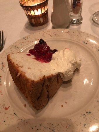 Pirogue Grille: Angel Food Cake with Berry Compote