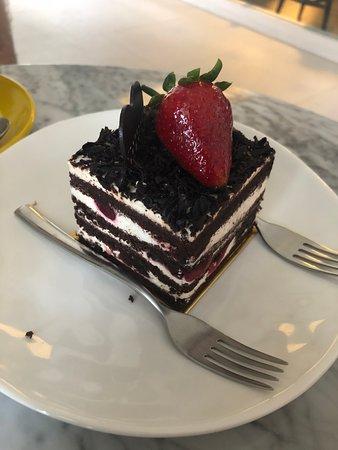 Chou Chou Deli Shop: Black Forest Cake