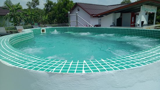 Kampot, Cambodge : 10 person Jacuzzi