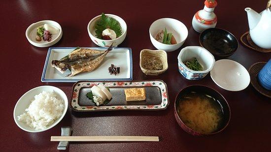 Kamata: 朝食