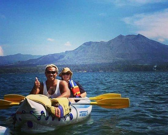 Kedisan, Indonesien: Enjoying the canoeing