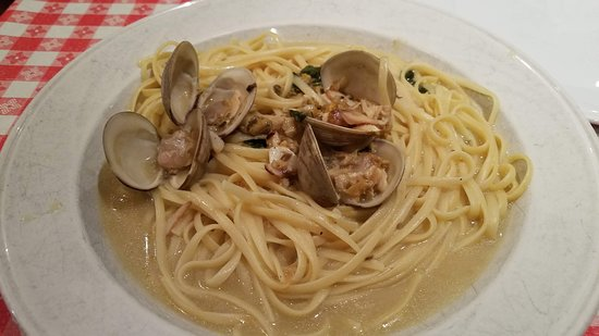 Williston Park, NY: Linguine with White Clam Sauce $18.95  Note: needs more clams for that price point:(