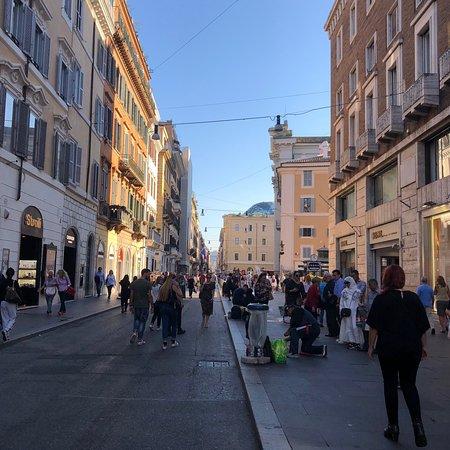 Roms berømte shoppinggade.