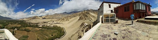 Thiksey, Hindistan: Panorama from top of monastery