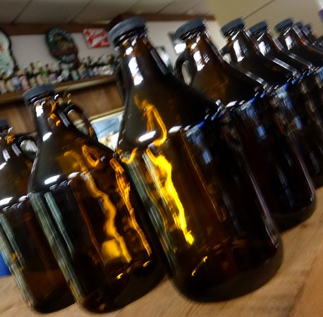 Diplomat Deli: Place to buy your growler of draft beers
