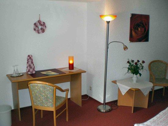 Hotel Zum Bürgergarten: Beispielzimmer