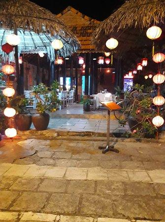 Dien Duong, Vietnã: restaurant