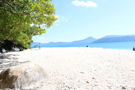 ac5df6b0444785 Nudey Beach Fitzroy Island - is as beautiful as the photos have you believe!