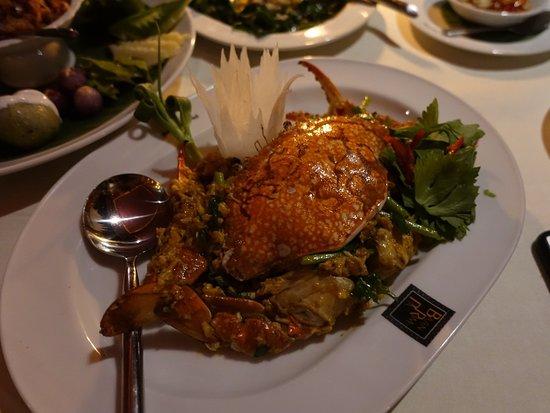 Baan Rim Pa Kalim: Curry crab>> must try.