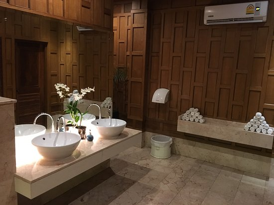 Baan Rim Pa Kalim: One of the nicest WC in town.