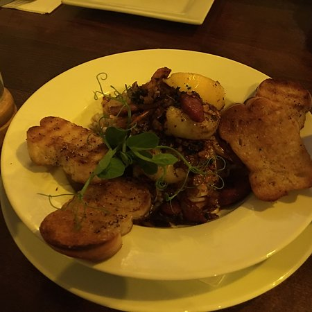 Squids Bar & Restaurant: photo2.jpg