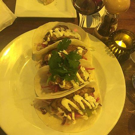 Squids Bar & Restaurant: photo3.jpg