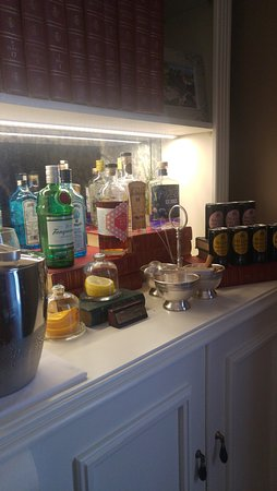 Claremont, Νότια Αφρική: Complimentary Gin Station