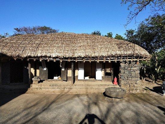 Jeju Folk Village (Jeju Minsokchon)