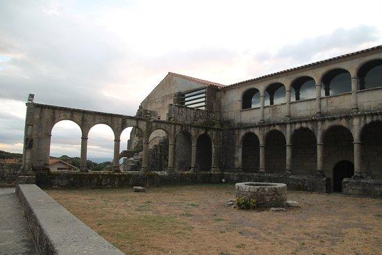 Xunqueira De Espadanedo, Hiszpania: claustro 2