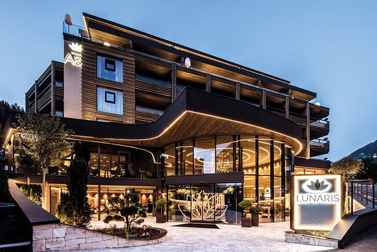 ホテル リンデルホフ