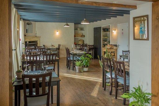 Cherval, Γαλλία: Dining Area