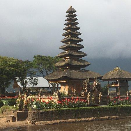 Ulun Danu Bratan Temple: photo1.jpg