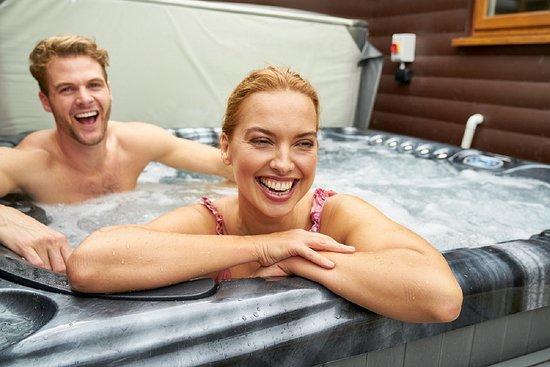 Lanivet, UK: hot tubs