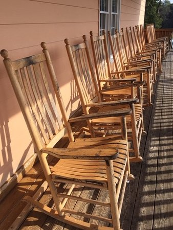 Maple View Ice Cream Store: Take In The View From These Comfy Rocking Chairs