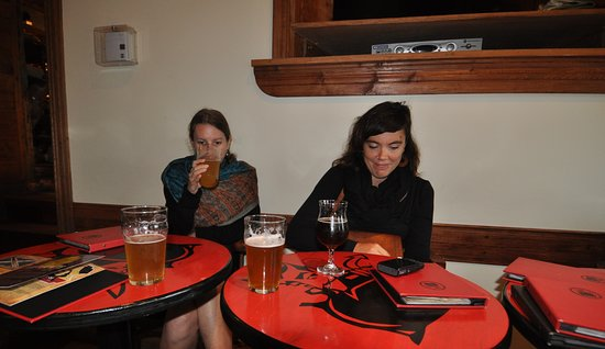 Le Trou du diable - Broue Pub et Restaurant Picture
