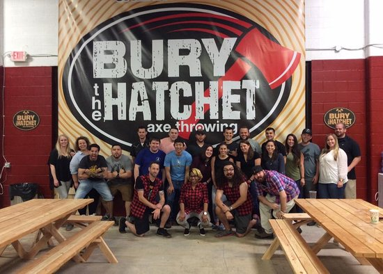 ‪Bury the Hatchet Paramus - Axe Throwing‬