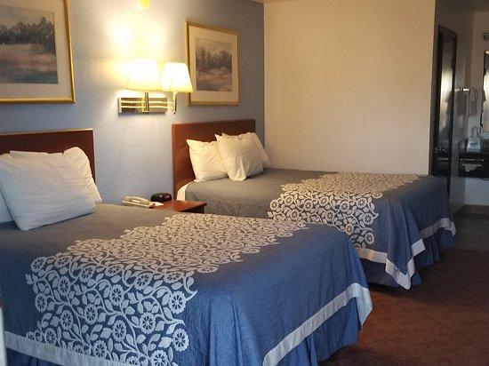 Russell, KS: Inside room - very clean