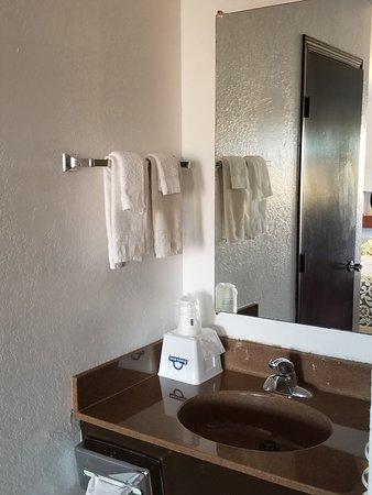 Russell, KS: Sink outside bathroom