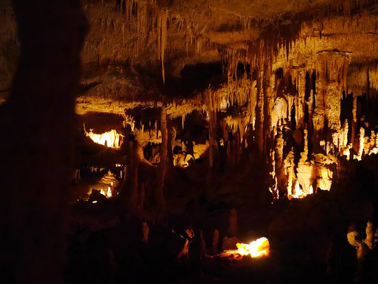 Payrignac, France: la première grotte