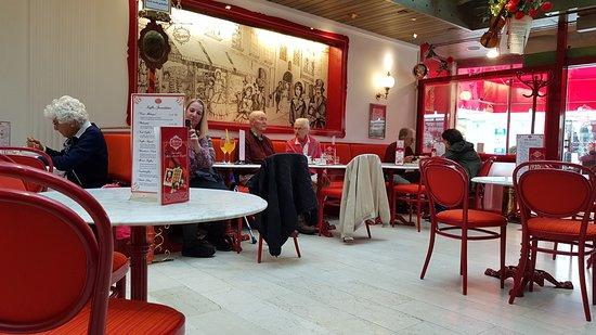 Cafe Reber: Innenansicht Café Reber