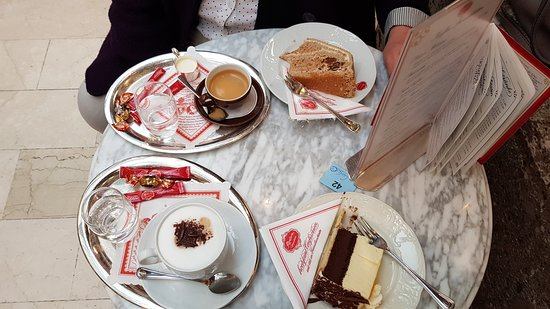 Cafe Reber: typisches Angebot im Café Reber