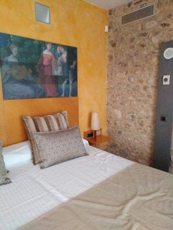 Monells, Spain: IMG_20181012_171251_large.jpg