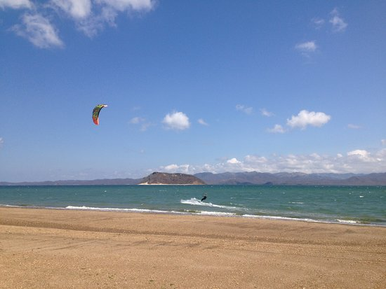 La Cruz, Costa Rica: Kiting to the island