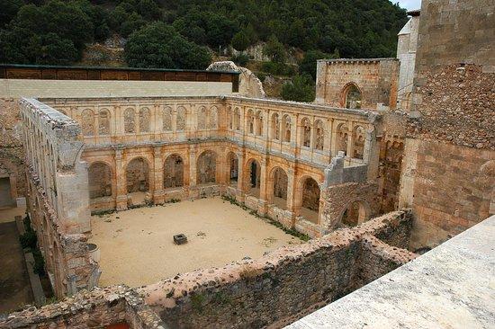 Hortiguela, Spania: Vista del Claustro.