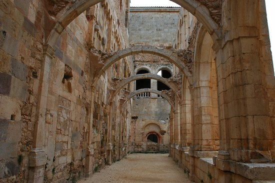 Hortiguela, Spania: Otra vista del Claustro.