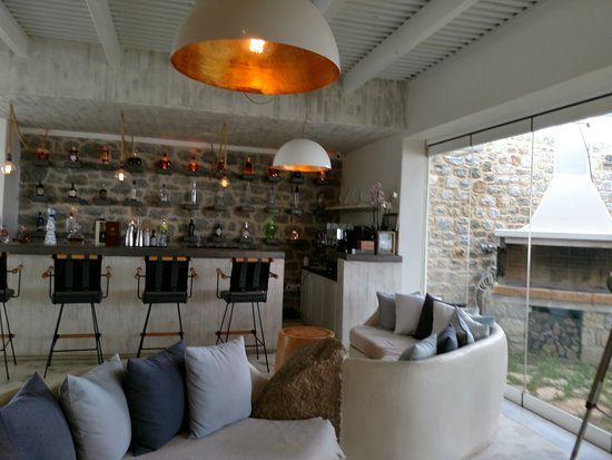 Naxian Collection: Lobby Bar