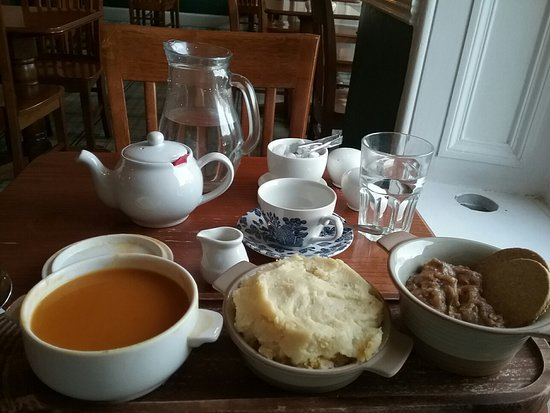 Squash soup, Haggis, Beef Stovies - Picture of Romanes