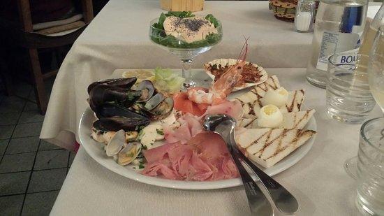 Cedegolo, Italy: 20181020_202039_large.jpg