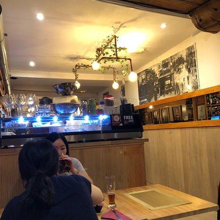 H10-Bar Photo